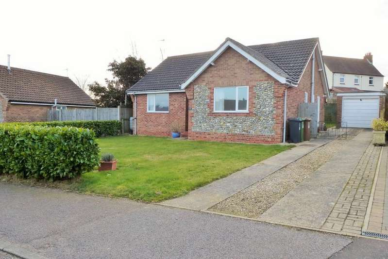2 Bedrooms Detached Bungalow for sale in Mundesley