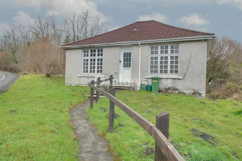 2 Bedrooms Bungalow for sale in Windy Ridge Llwydcoed Road