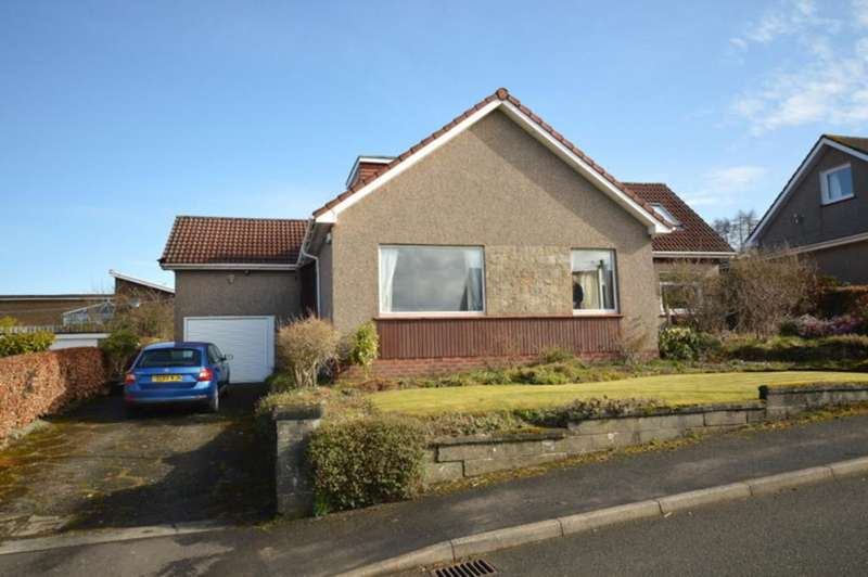 5 Bedrooms Detached House for sale in Hillside Road, Cardross G82 5LS