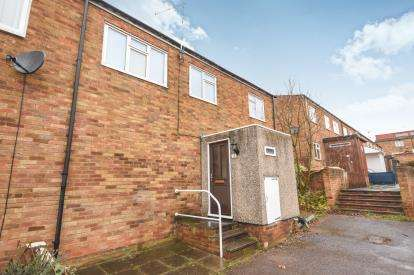 3 Bedrooms Terraced House for sale in Pitsea, Essex