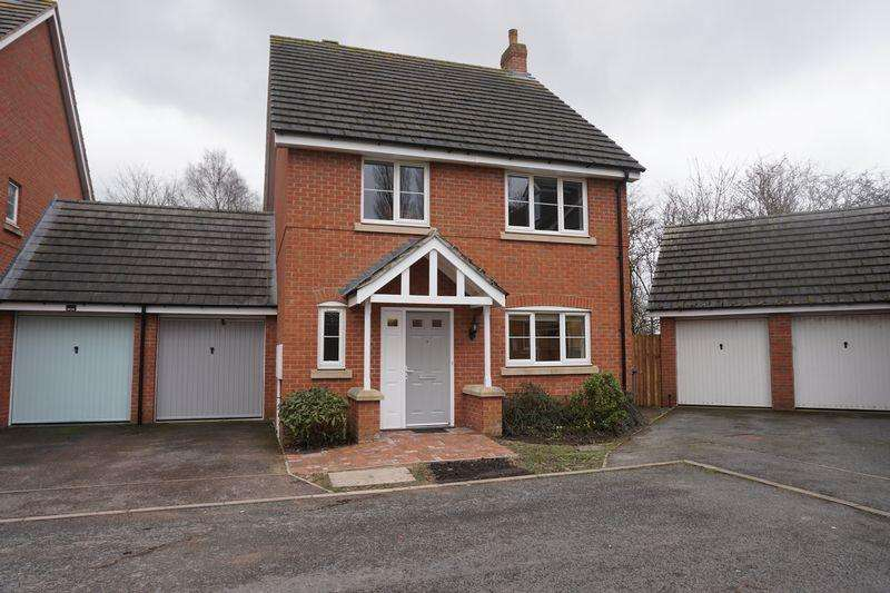 4 Bedrooms Link Detached House for sale in Church Walk, Burntwood