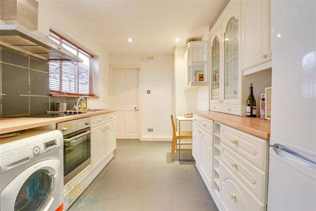 1 Bedroom Flat for sale in Fourth Avenue, Kensal Rise