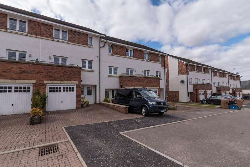 4 Bedrooms Terraced House for sale in Maurice Wynd, Dunblane, FK15 9FG