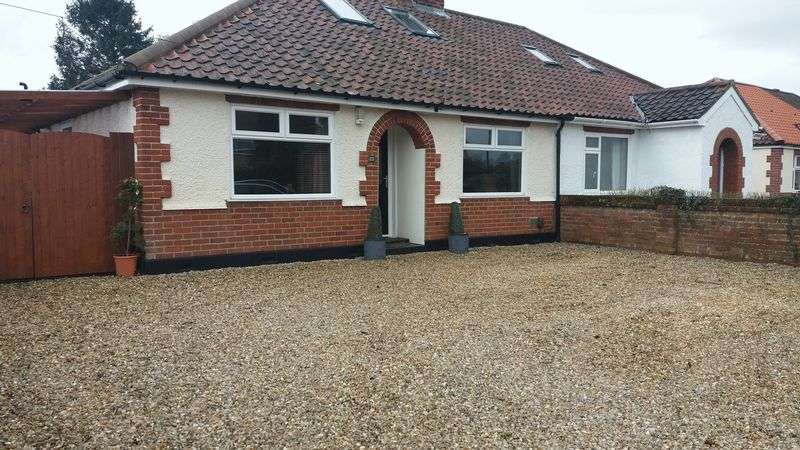 3 Bedrooms Property for sale in Links Avenue, Norwich