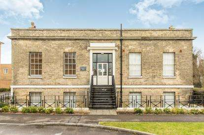 1 Bedroom Flat for sale in Royal Clarence Yard, Gosport, Hampshire