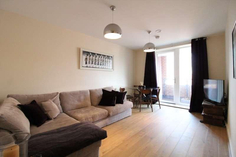 2 Bedrooms Flat for sale in Ladysmith Road, Harrow, London, HA3