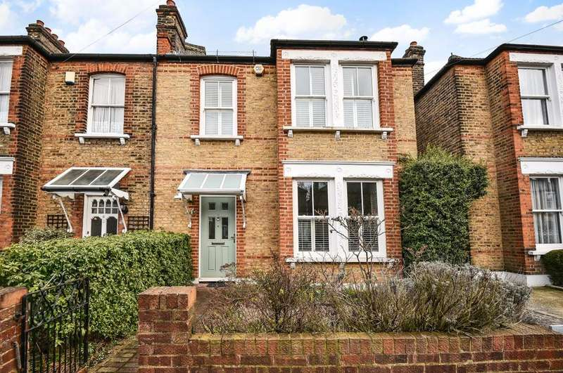 3 Bedrooms End Of Terrace House for sale in Parkcroft Road Lee SE12