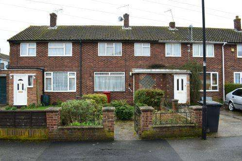 3 Bedrooms House for sale in Perryman Way, Slough