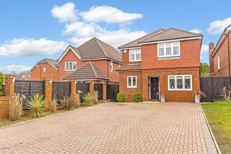 4 Bedrooms Detached House for sale in Buckland Road, Lower Kingswood, Tadworth