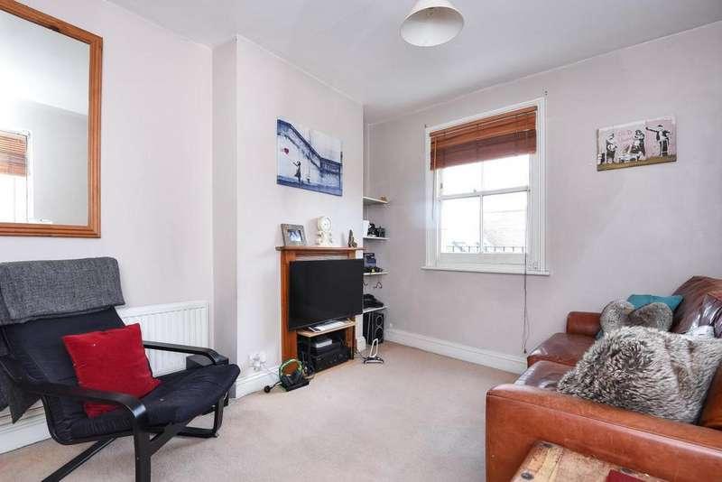 1 Bedroom Maisonette Flat for sale in Smiths Yard, Earlsfield