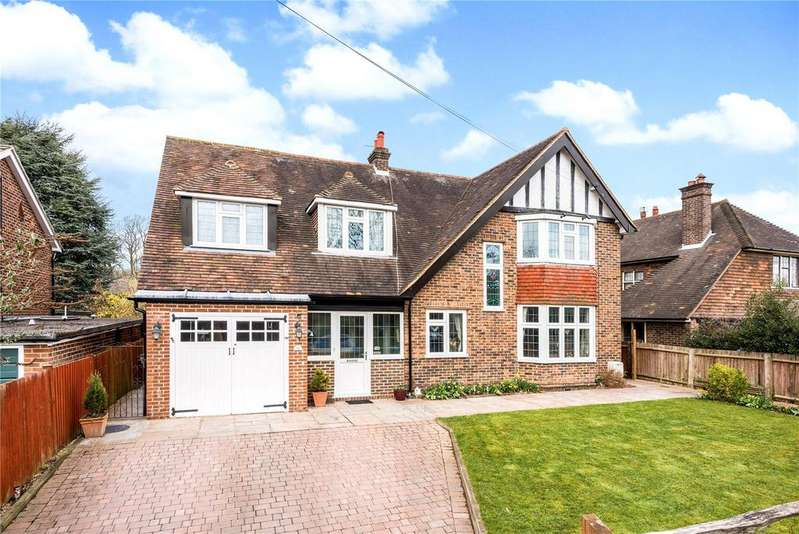 4 Bedrooms Detached House for sale in Claremont Road, Redhill, RH1