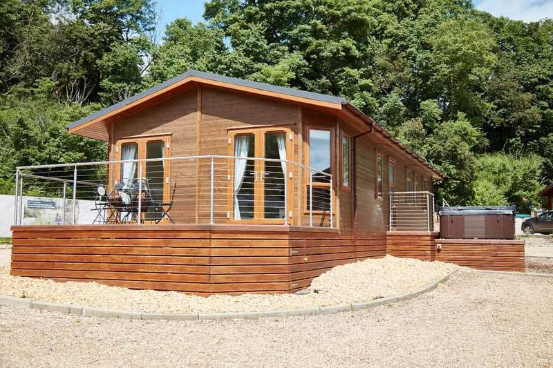 3 Bedrooms Mobile Home for sale in Waveney River Centre, Burgh St Peter