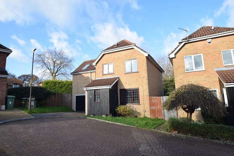 4 Bedrooms Detached House for sale in Olivine Close, Chatham, ME5