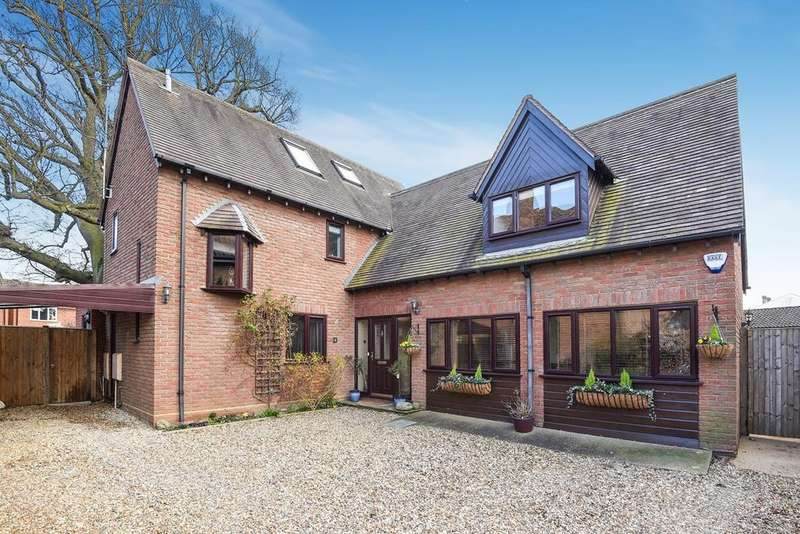 4 Bedrooms Detached House for sale in Mayfields, Shefford, SG17
