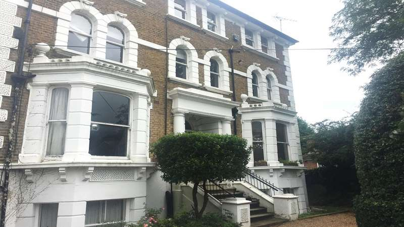 2 Bedrooms Flat for sale in Alexandra Road KT2