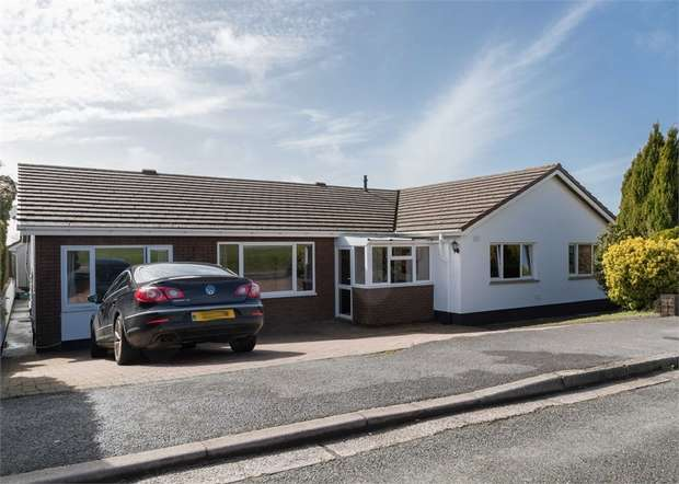 5 Bedrooms Detached Bungalow for sale in Arthur Morris Drive, Pembroke Dock, Pembrokeshire
