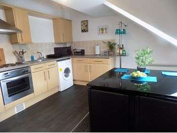 2 Bedrooms Flat for rent in Spinners Yard, Fisher Street, Carlisle, CA3 8RE