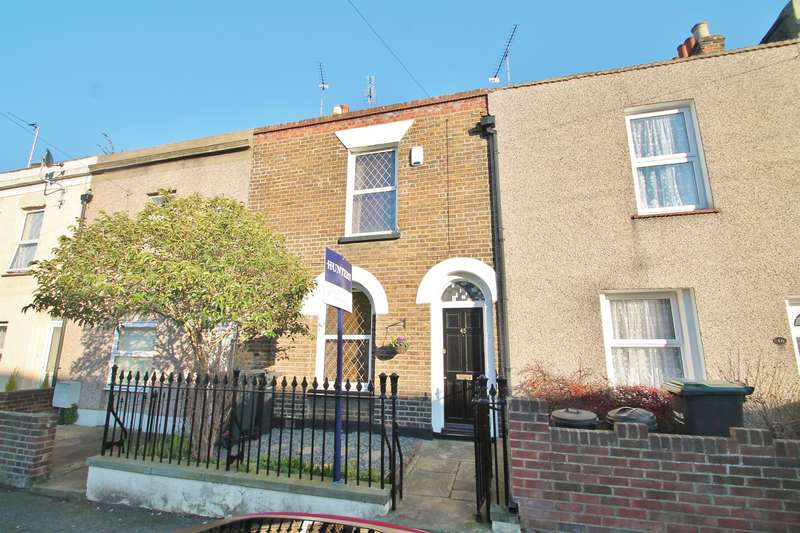 3 Bedrooms House for sale in Wellington Street, Gravesend, DA12 1JG