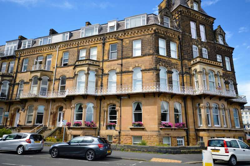2 Bedrooms Flat for sale in Esplanade, Scarborough, YO11 2AR