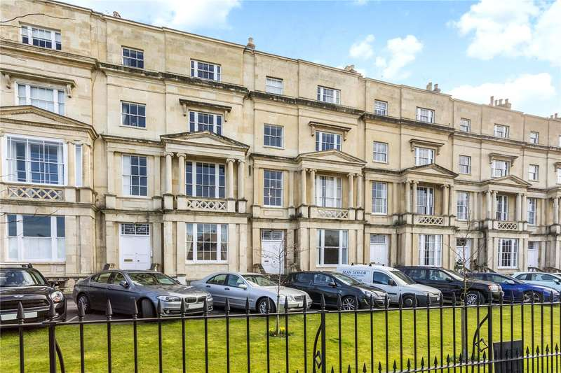 3 Bedrooms Flat for sale in Evelyn Court, Malvern Road, Cheltenham, Gloucestershire, GL50