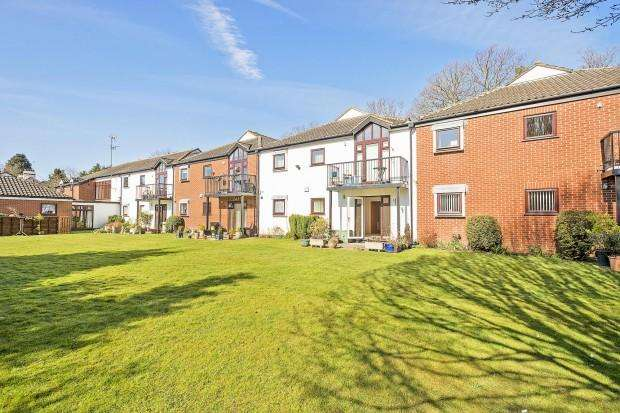 1 Bedroom Retirement Property for sale in Stokes Ridings, Tadworth, KT20