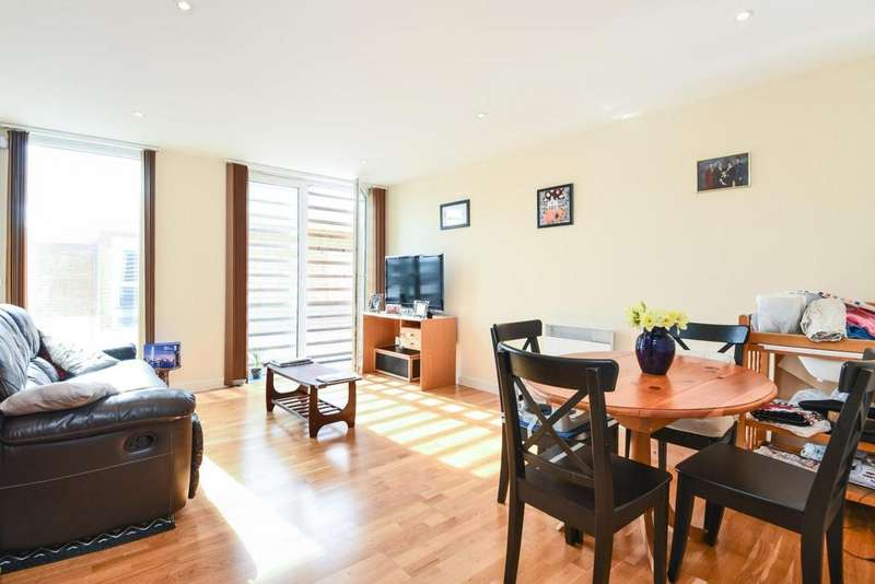 2 Bedrooms Flat for sale in Coleman Fields, Islington