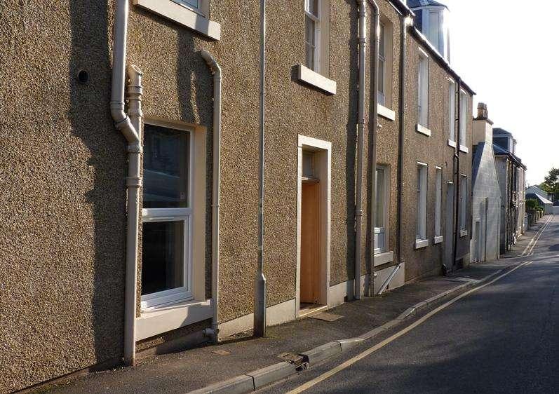 1 Bedroom Ground Flat for sale in 44 George Street, Millport, KA28 0BE