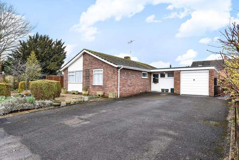 3 Bedrooms Detached Bungalow for sale in Henley-on-Thames, Oxfordshire, RG9
