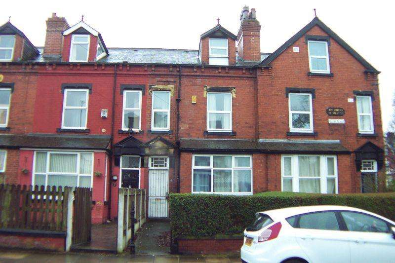 6 Bedrooms Terraced House for sale in Lucas Place, Leeds