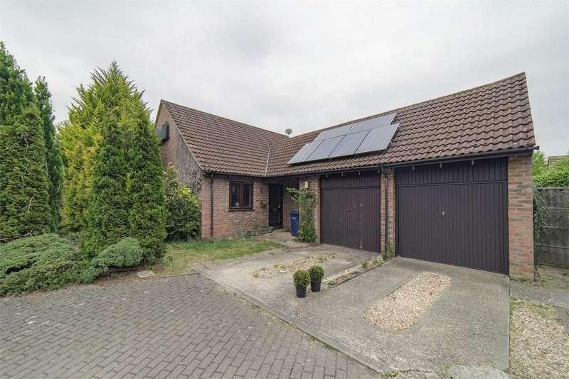 2 Bedrooms Detached Bungalow for sale in Rowledge, Farnham, Surrey