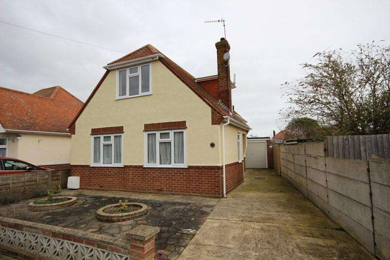 3 Bedrooms Chalet House for sale in Princes Road, Clacton-On-Sea