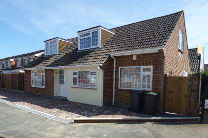 5 Bedrooms Bungalow for sale in Hayling Island, Hampshire, .