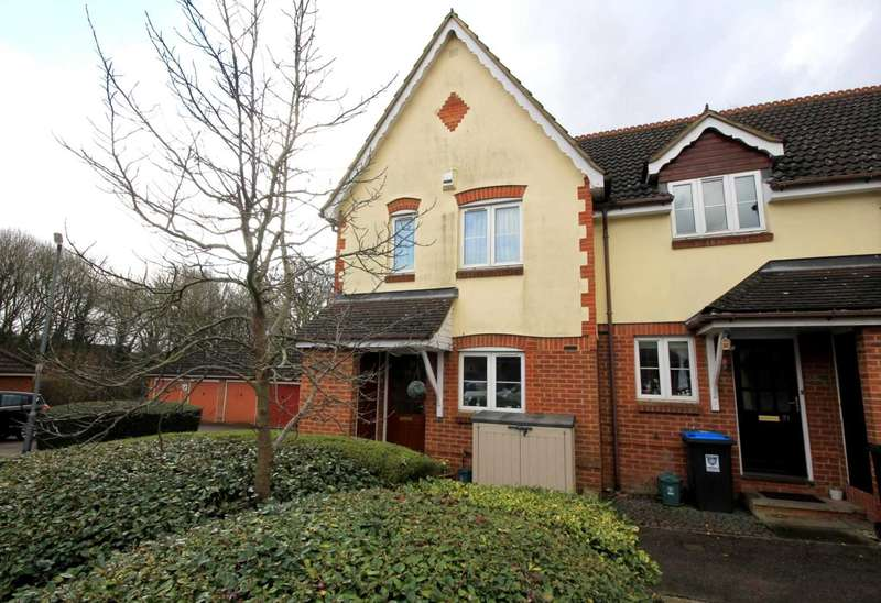 3 Bedrooms House for sale in END OF TERRACE with GARAGE in this NO THROUGH ROAD in HP2.
