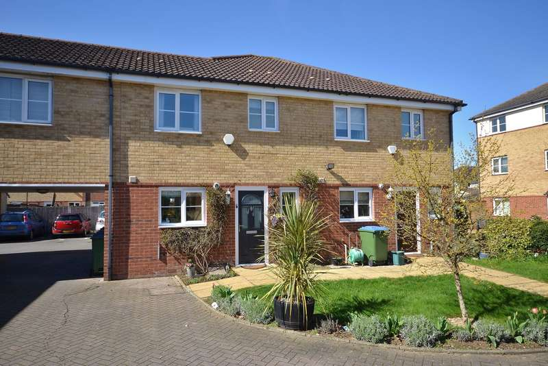 3 Bedrooms Semi Detached House for sale in Esher