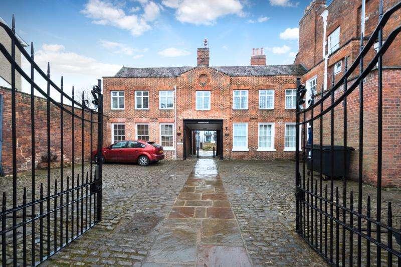 1 Bedroom Apartment Flat for sale in Twickenham House, East St. Helen Street, Abingdon