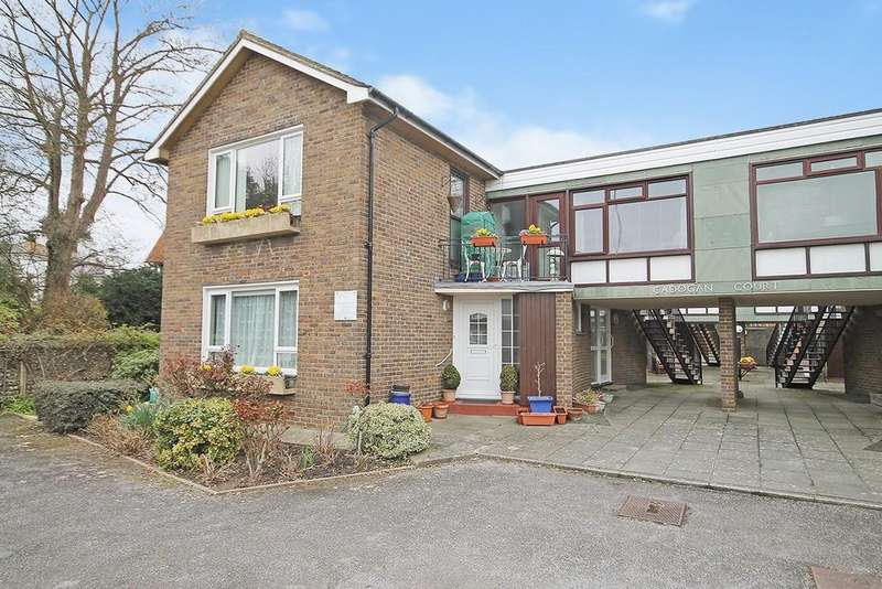 2 Bedrooms Apartment Flat for sale in Christchurch Road, Worthing BN11 1JG