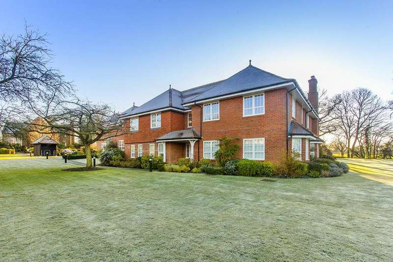 2 Bedrooms Apartment Flat for sale in South Lawns, Aldenham
