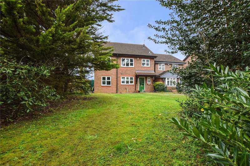 3 Bedrooms Detached House for sale in St. Michaels Drive, Sheepcot Lane, Watford, Hertfordshire, WD25