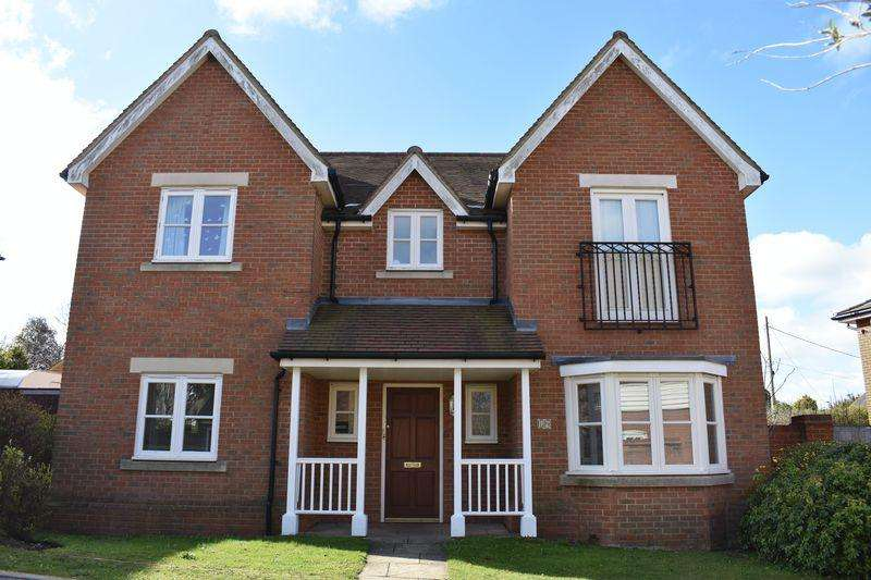 4 Bedrooms Detached House for sale in Gardners Close, Ash