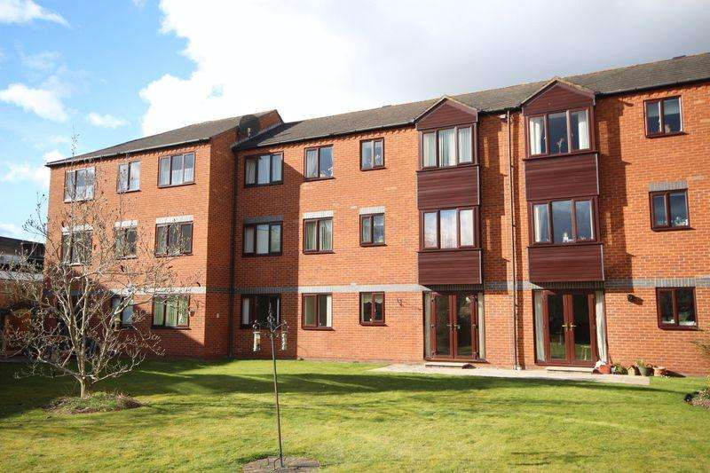 2 Bedrooms Apartment Flat for sale in Fonteine Court, Ross-On-Wye