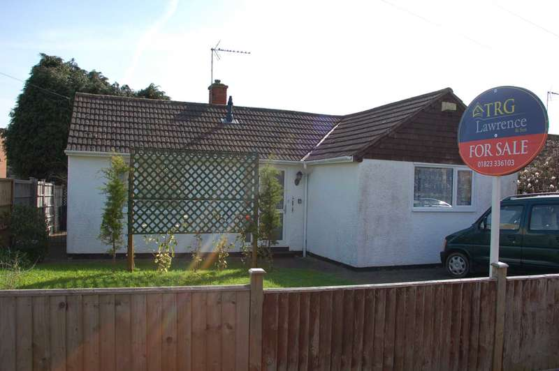 2 Bedrooms Detached Bungalow for sale in St Patricks Road, Taunton