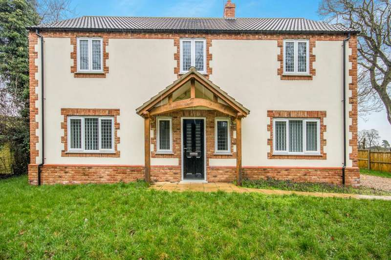 4 Bedrooms Detached House for rent in Mere Road, Attleborough
