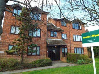 Flat for sale in 258 Winchester Road, Southampton, Hampshire