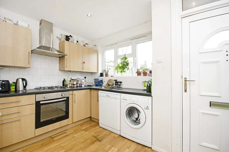 4 Bedrooms House for sale in Beeston Close, Dalston, E8