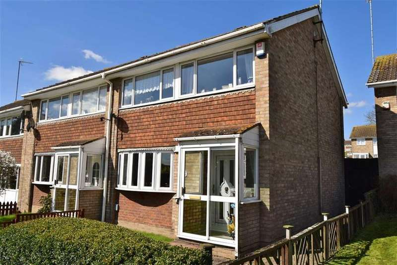 3 Bedrooms Semi Detached House for sale in Overmead, BR8