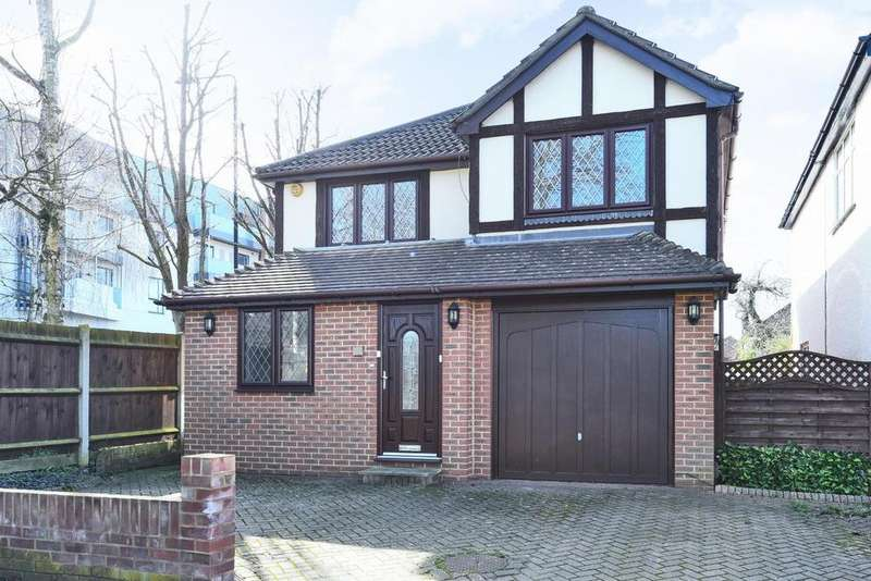 4 Bedrooms Detached House for sale in Ash Grove, West Wickham