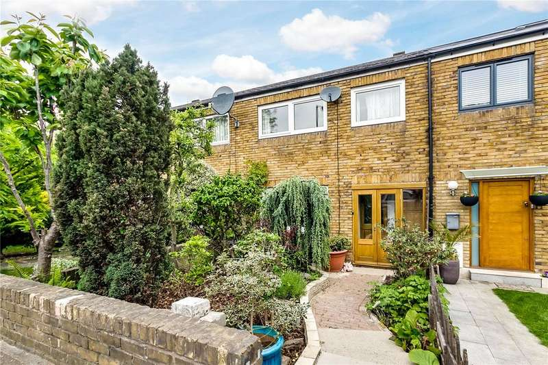 3 Bedrooms Terraced House for sale in Bartholomew Close, London