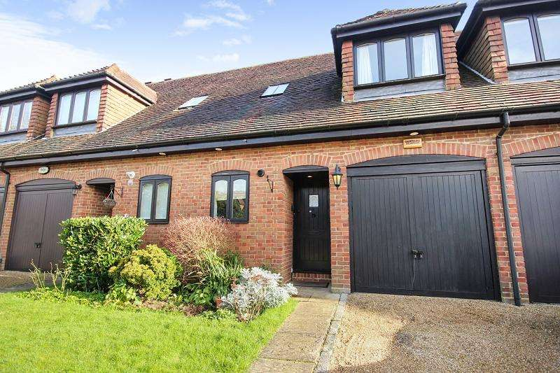 3 Bedrooms Terraced House for sale in Meade Court, Walton On The Hill, Tadworth, Surrey. KT20