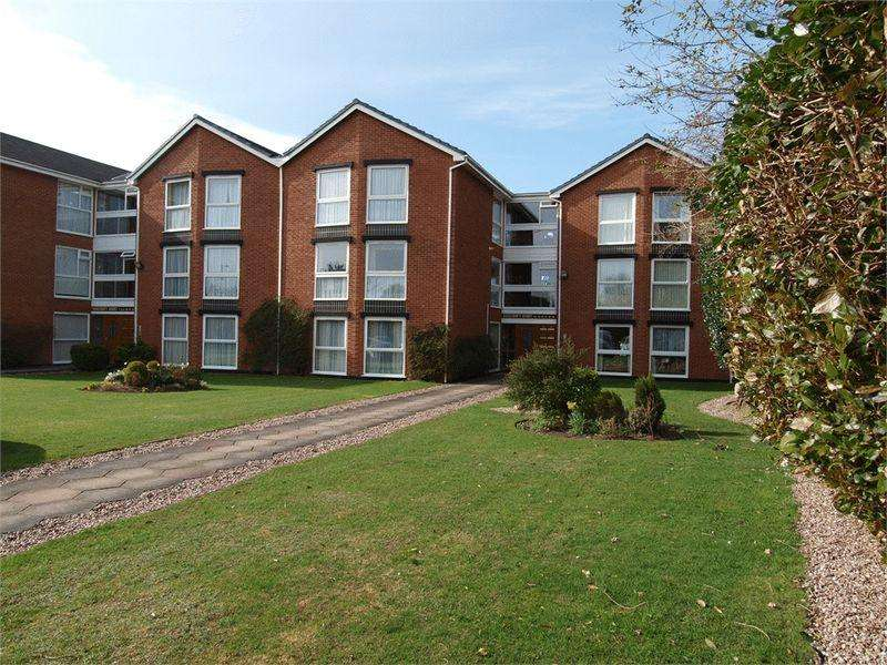 3 Bedrooms Apartment Flat for sale in Rosecroft Court, Hoylake