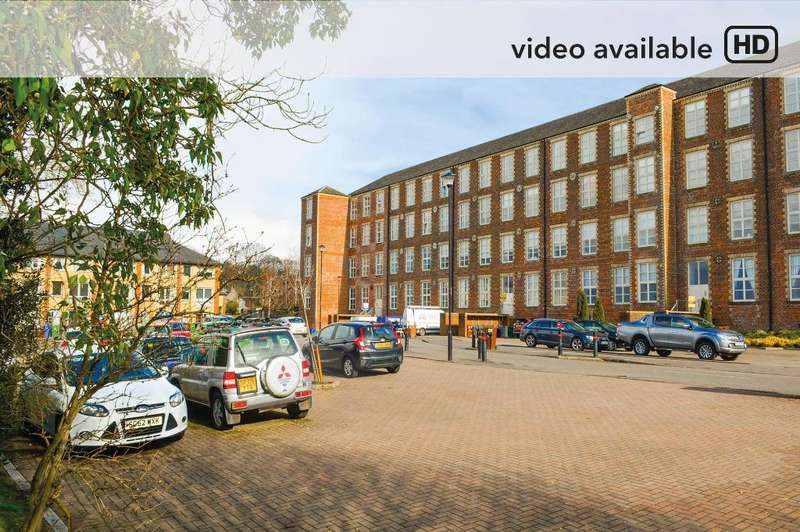 2 Bedrooms Flat for sale in Woolcarders Court, Cambusbarron, Stirling, FK7 9RA